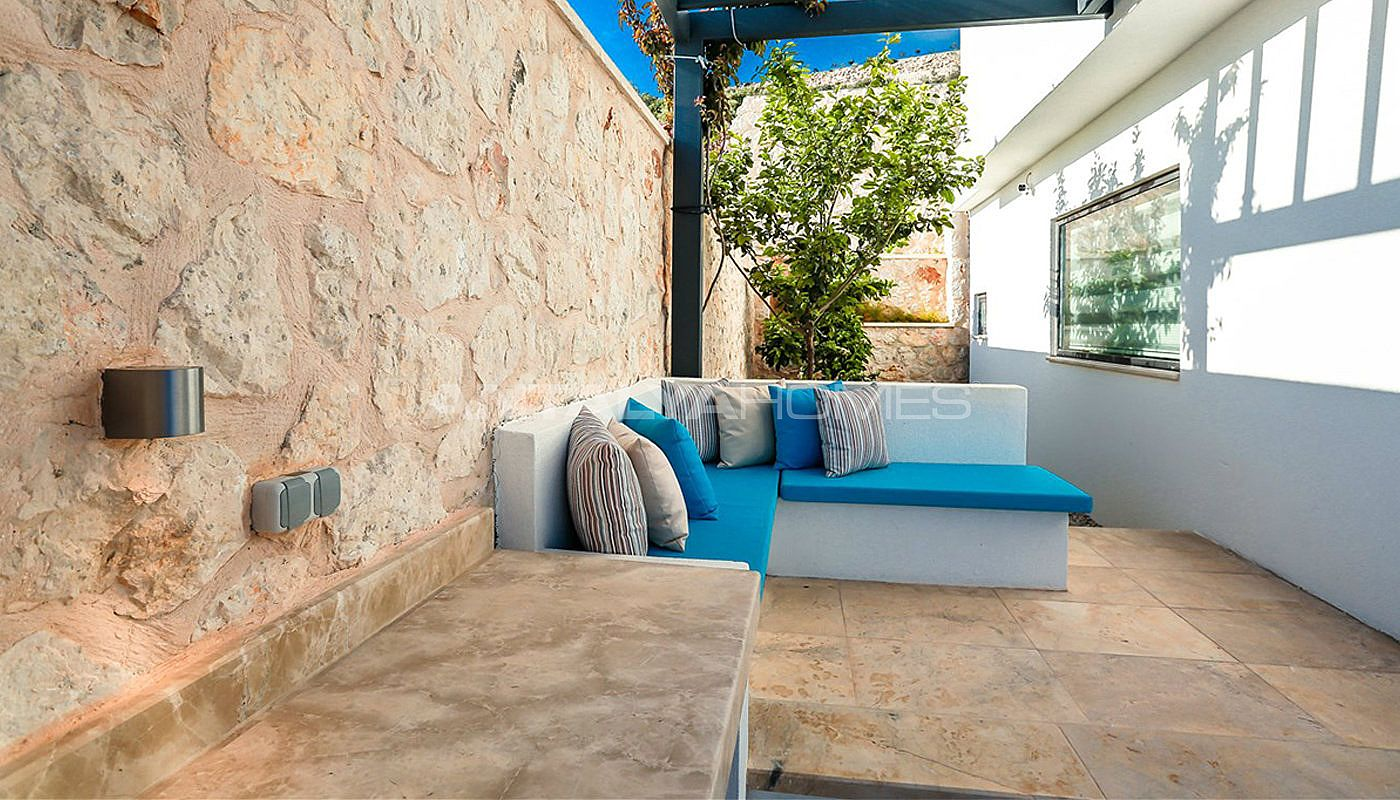 flawless-design-kalkan-villa-walking-distance-to-the-beach-19.jpg