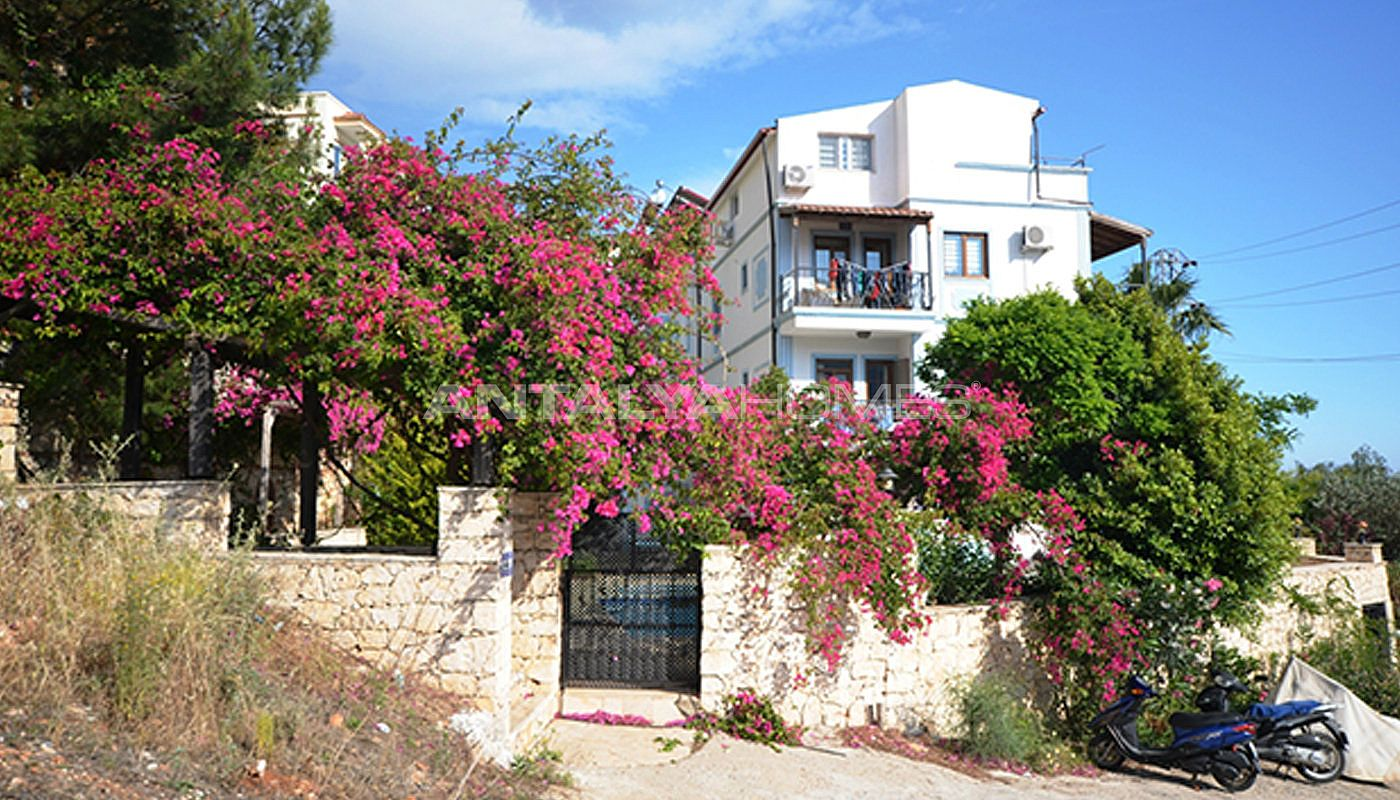 fully-furnished-apartments-in-a-favorable-region-of-kalkan-05.jpg