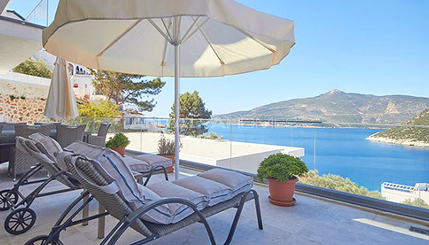 fully-furnished-kalkan-house-250-meter-to-the-beach-003.jpg