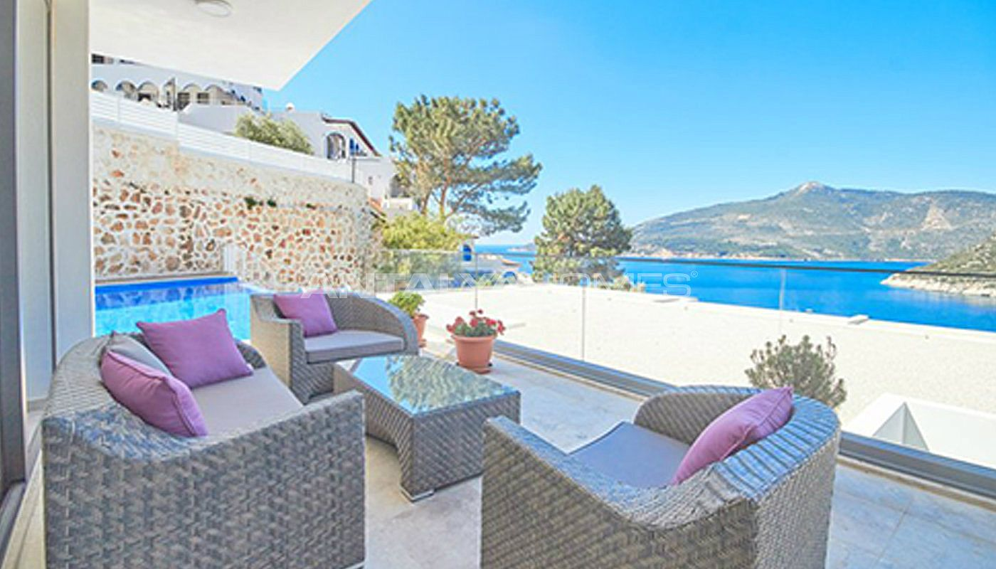 fully-furnished-kalkan-house-250-meter-to-the-beach-011.jpg
