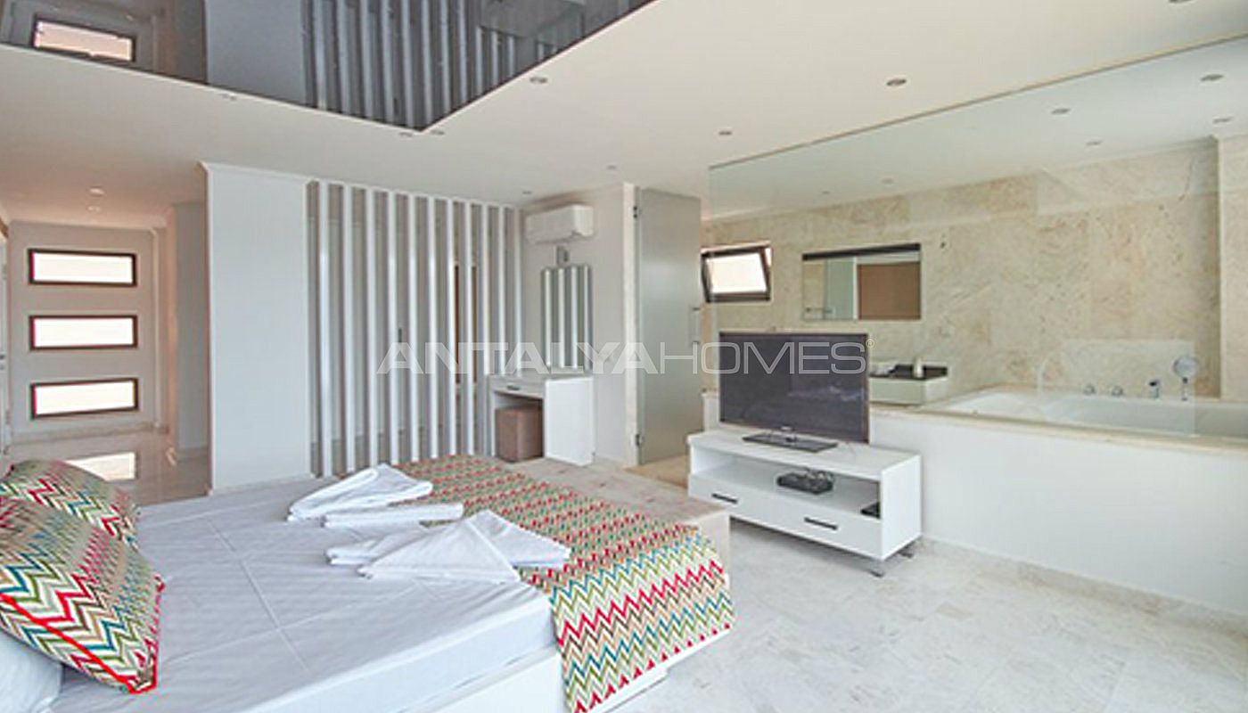 fully-furnished-kalkan-house-250-meter-to-the-beach-interior-007.jpg