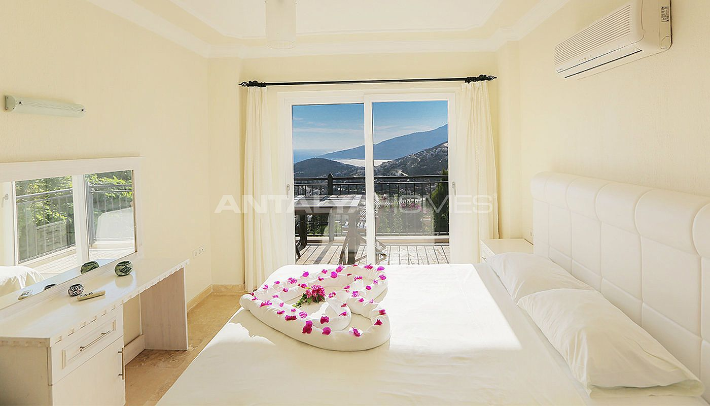 furnished-real-estate-with-breathtaking-views-of-kalkan-bay-interior-005.jpg