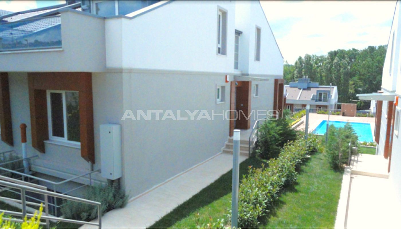 key-ready-houses-with-private-garden-in-istanbul-006.jpg