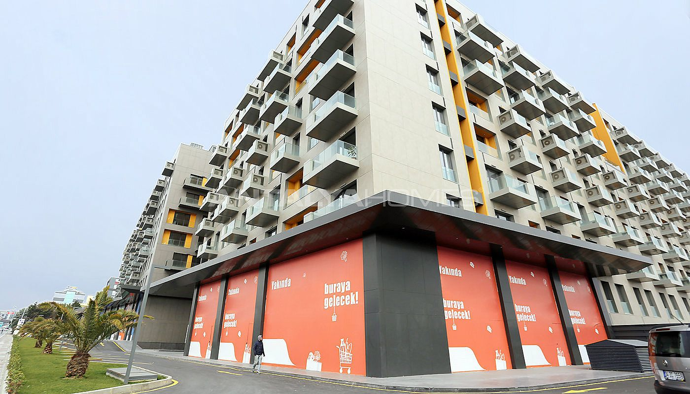 lake-view-apartments-in-fully-equipped-project-in-istanbul-005.jpg