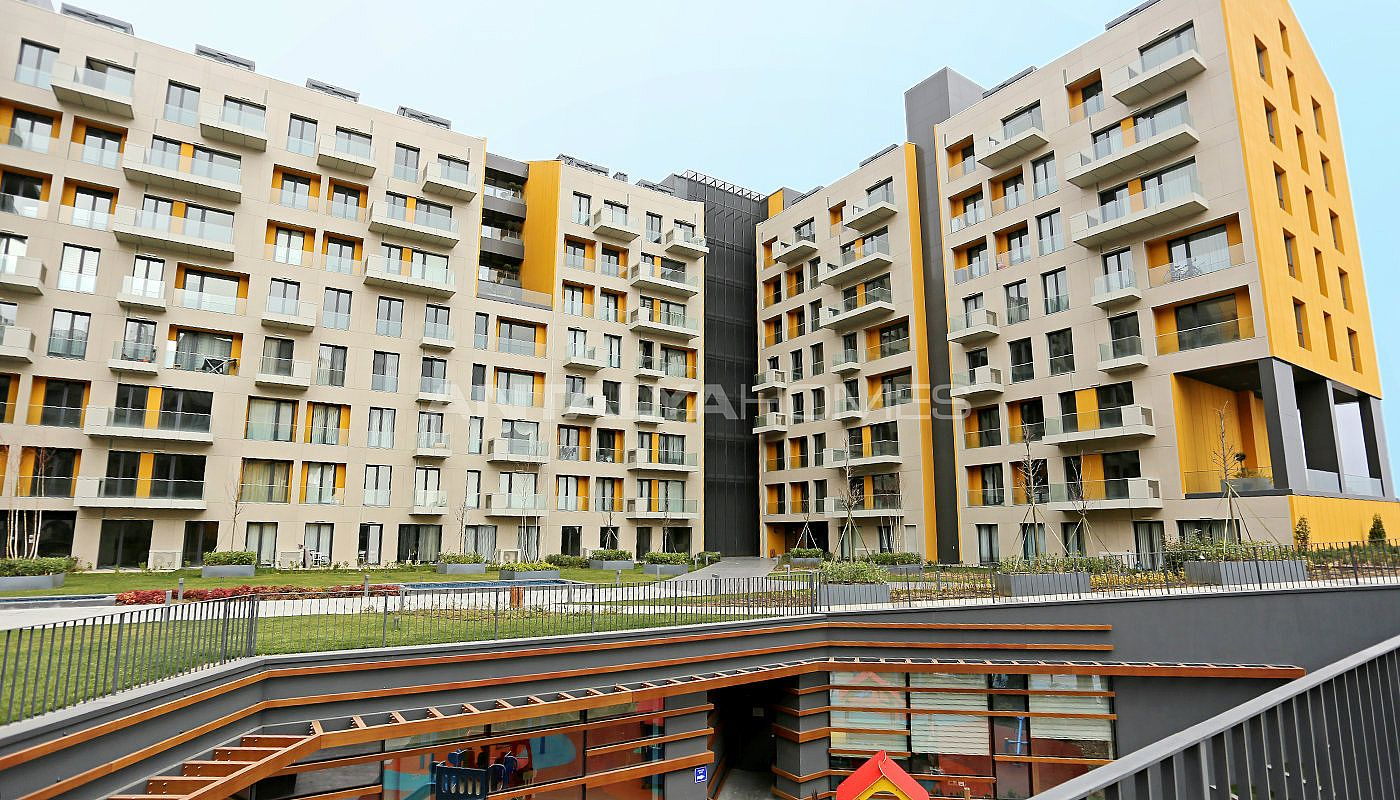 lake-view-apartments-in-fully-equipped-project-in-istanbul-006.jpg