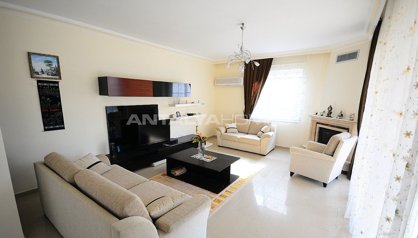 lively-and-modern-furnished-detached-villa-in-kemer-interior-001.jpg