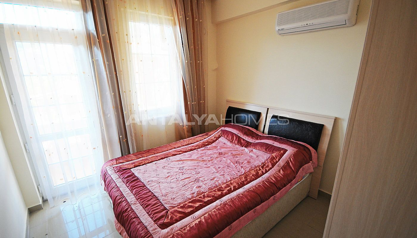lively-and-modern-furnished-detached-villa-in-kemer-interior-011.jpg