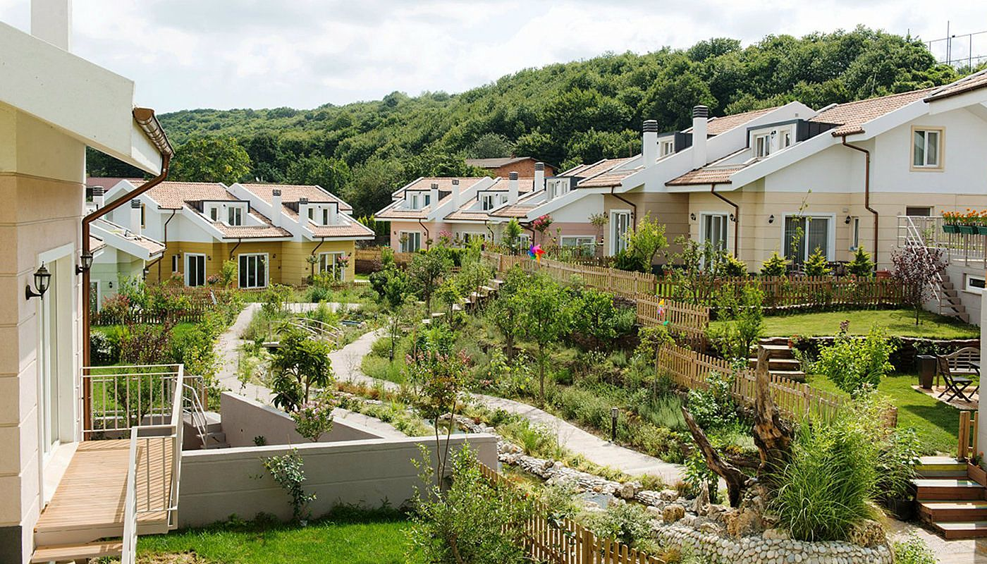 nature-friendly-istanbul-villas-surrounded-by-the-forest-main.jpg