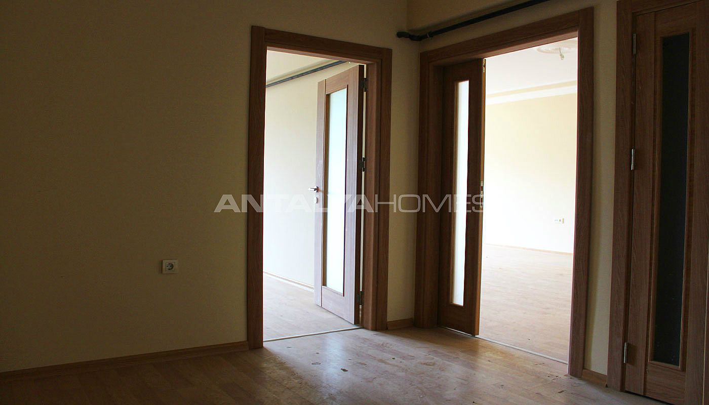 ready-to-move-property-in-trabzon-with-natural-gas-system-interior-001.jpg