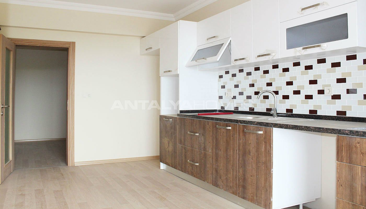 ready-to-move-property-in-trabzon-with-natural-gas-system-interior-005.jpg