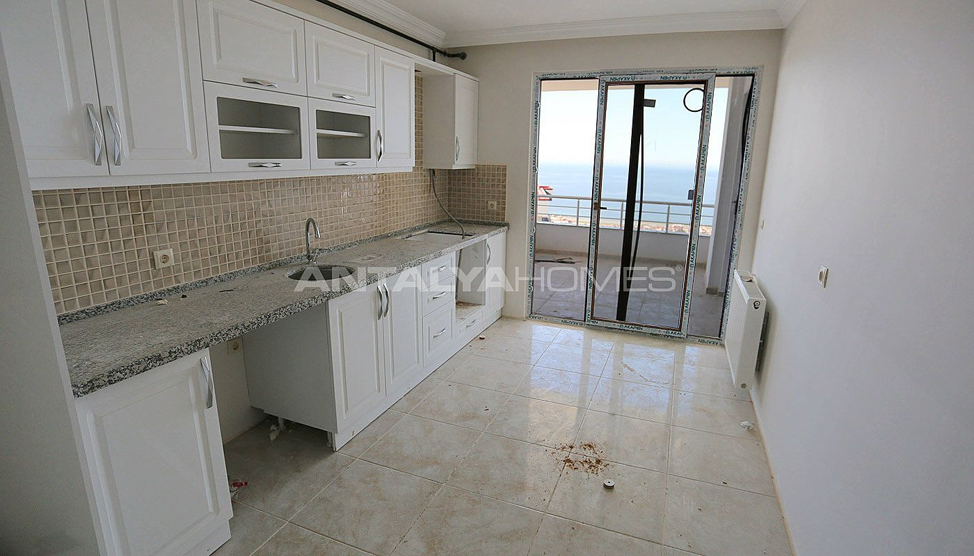real-estate-in-trabzon-with-outstanding-sea-view-interior-006.jpg