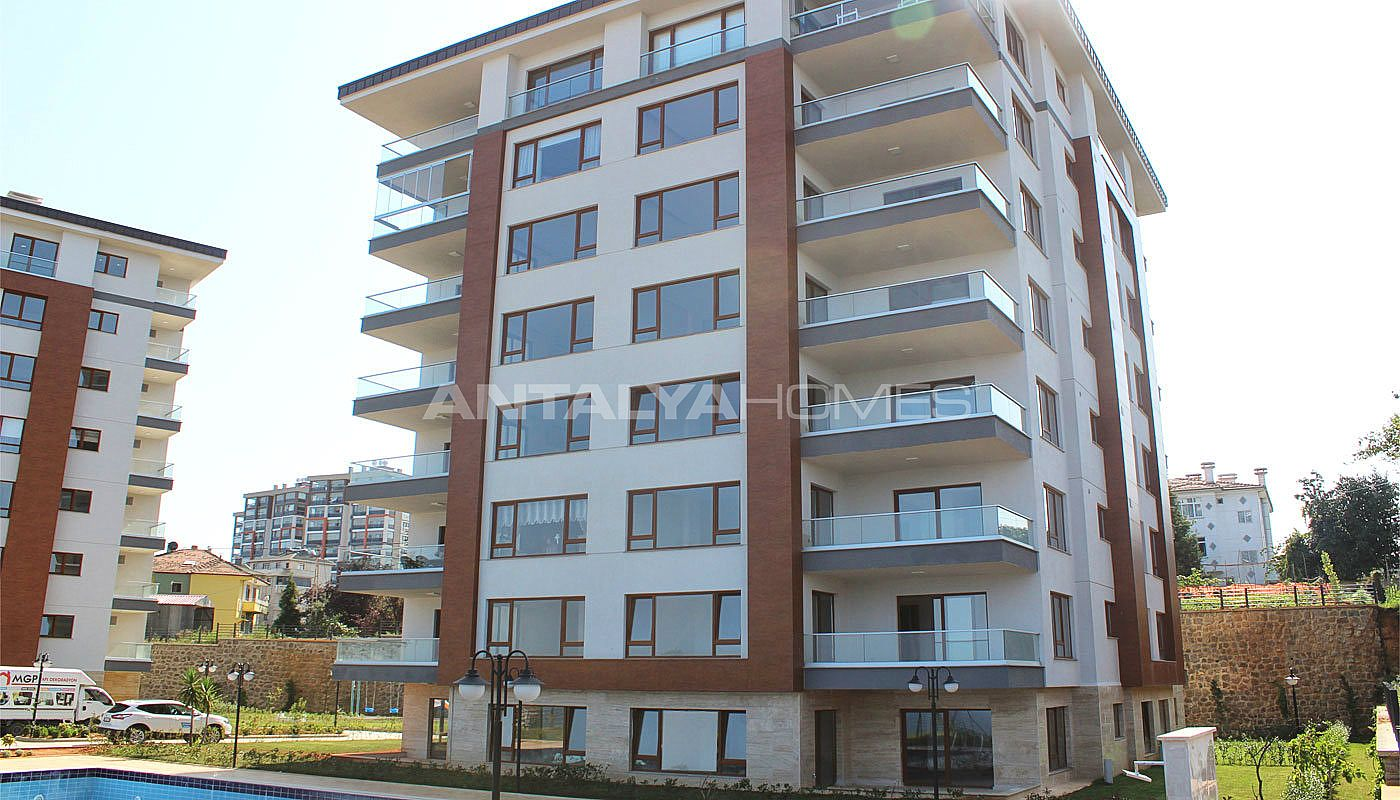 sea-view-4-1-apartments-in-turkey-trabzon-002.jpg