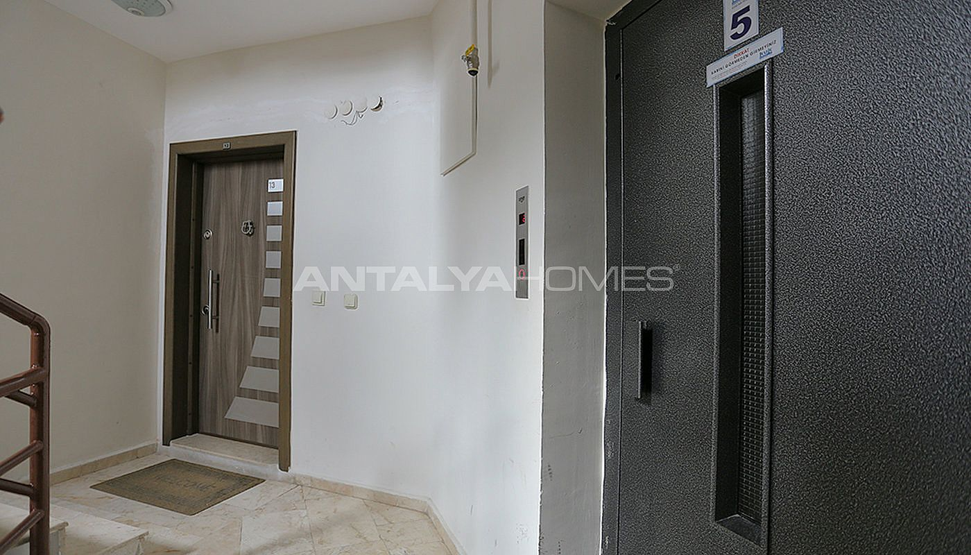 spacious-resale-apartments-in-antalya-guzeloba-05.jpg