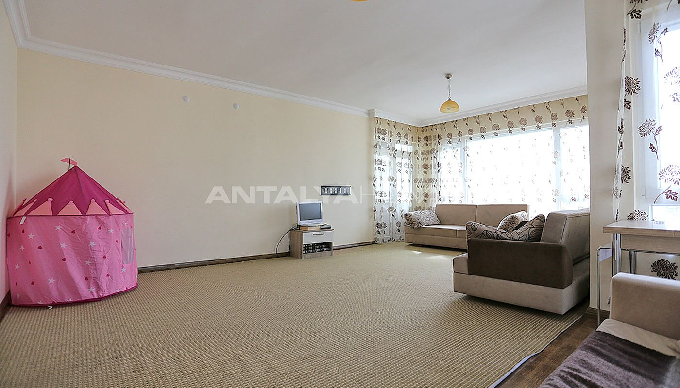 spacious-resale-apartments-in-antalya-guzeloba-interior-02.jpg