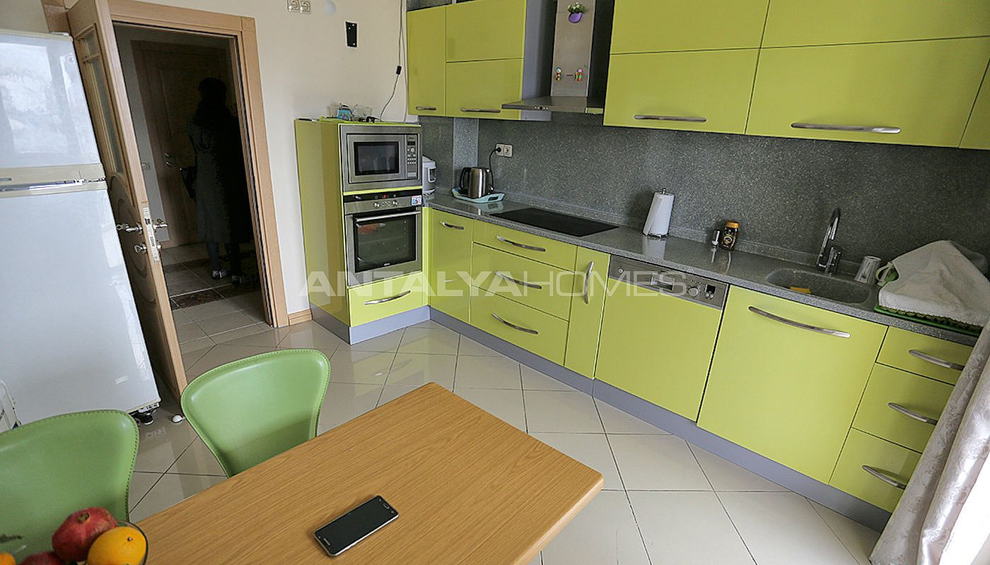 spacious-resale-apartments-in-antalya-guzeloba-interior-05.jpg