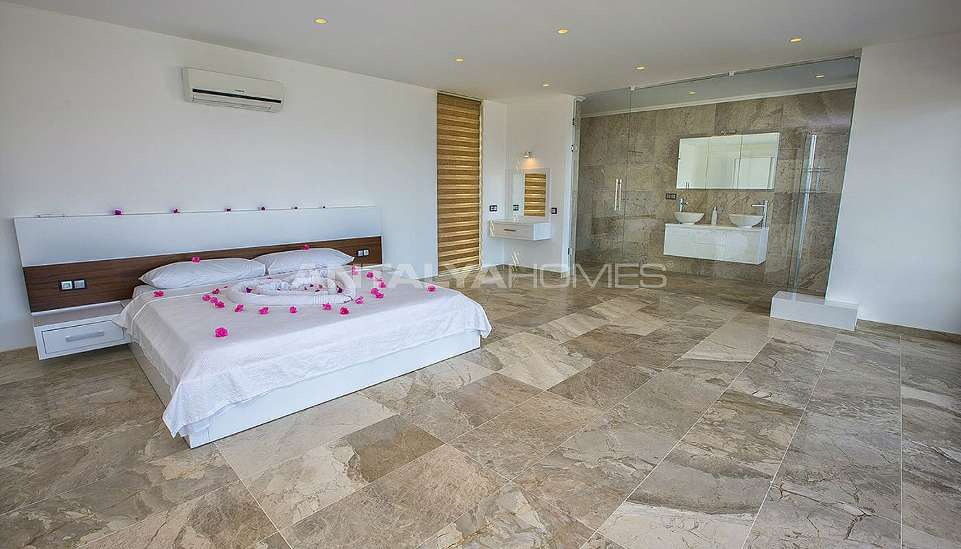 state-of-the-art-villa-in-kalkan-with-unobstructed-sea-view-interior-07.jpg