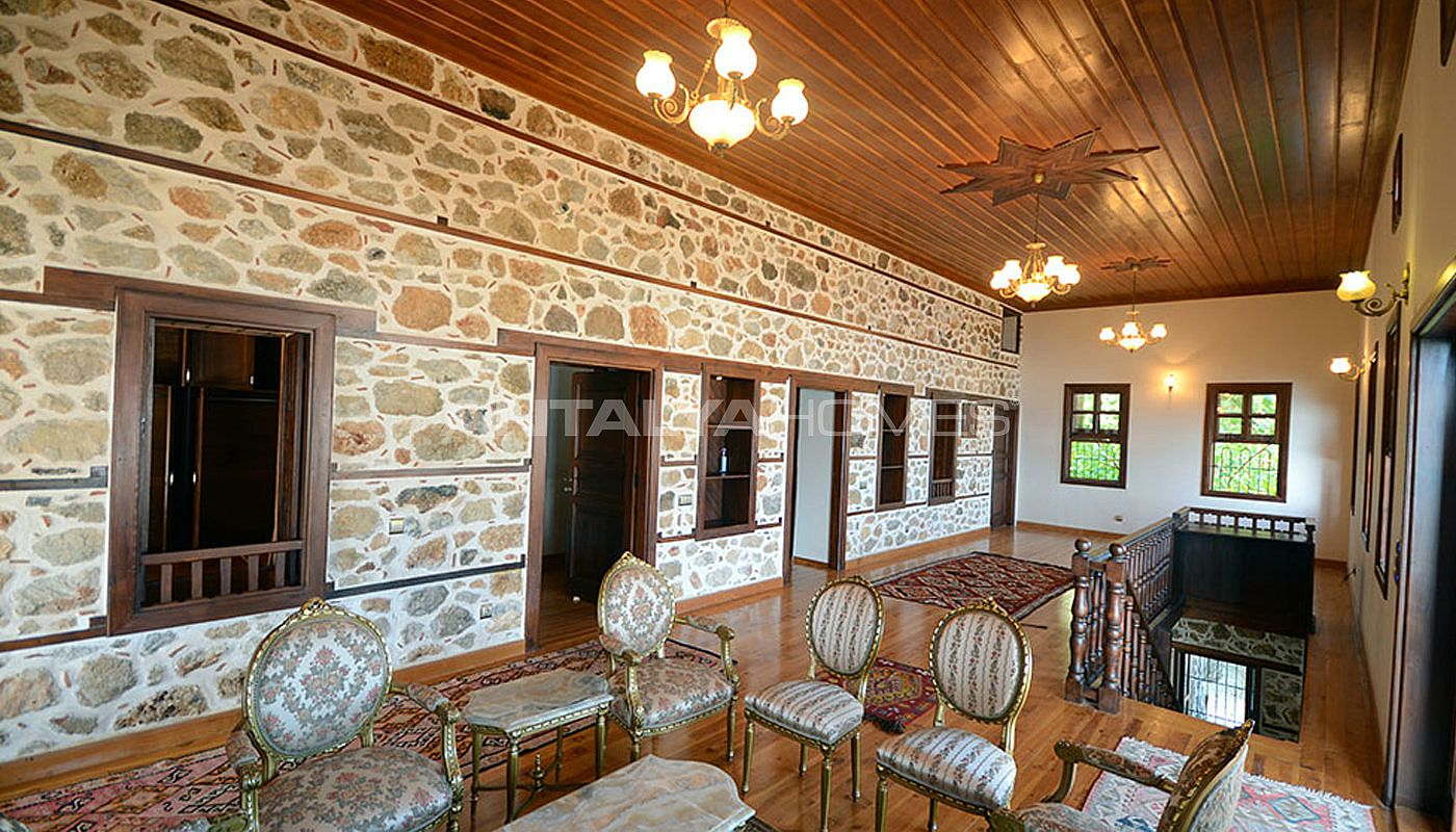 ancient-villa-alanya-interior-03.jpg