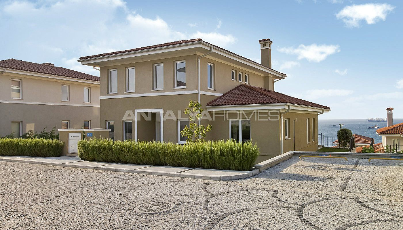 centrally-located-istanbul-villas-intertwined-with-sea-009.jpg