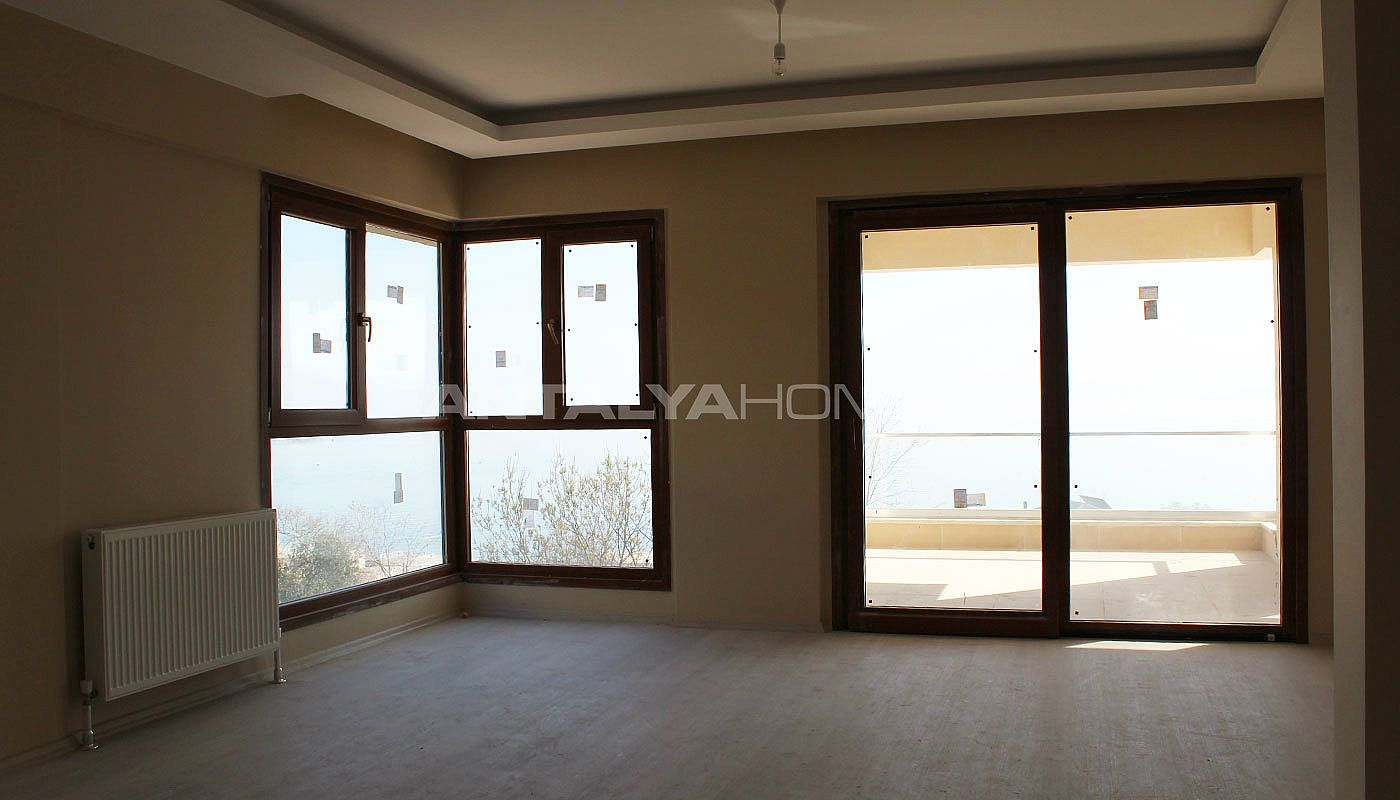 high-quality-real-estate-in-trabzon-with-panoramic-view-interior-001.jpg