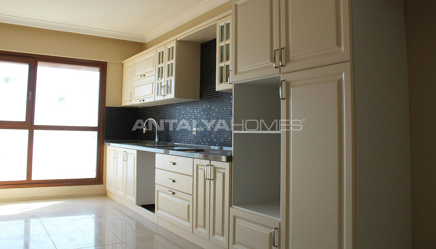 high-quality-real-estate-in-trabzon-with-panoramic-view-interior-003.jpg