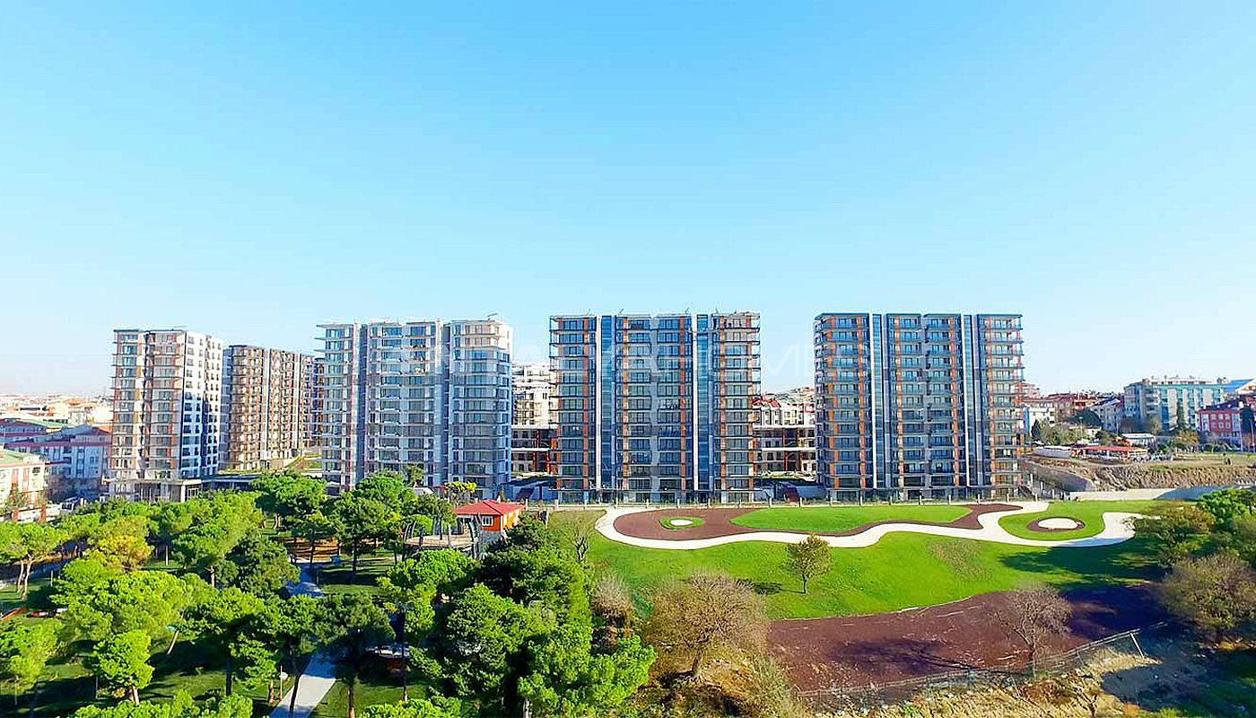 key-ready-istanbul-apartments-with-overlooking-lake-003.jpg