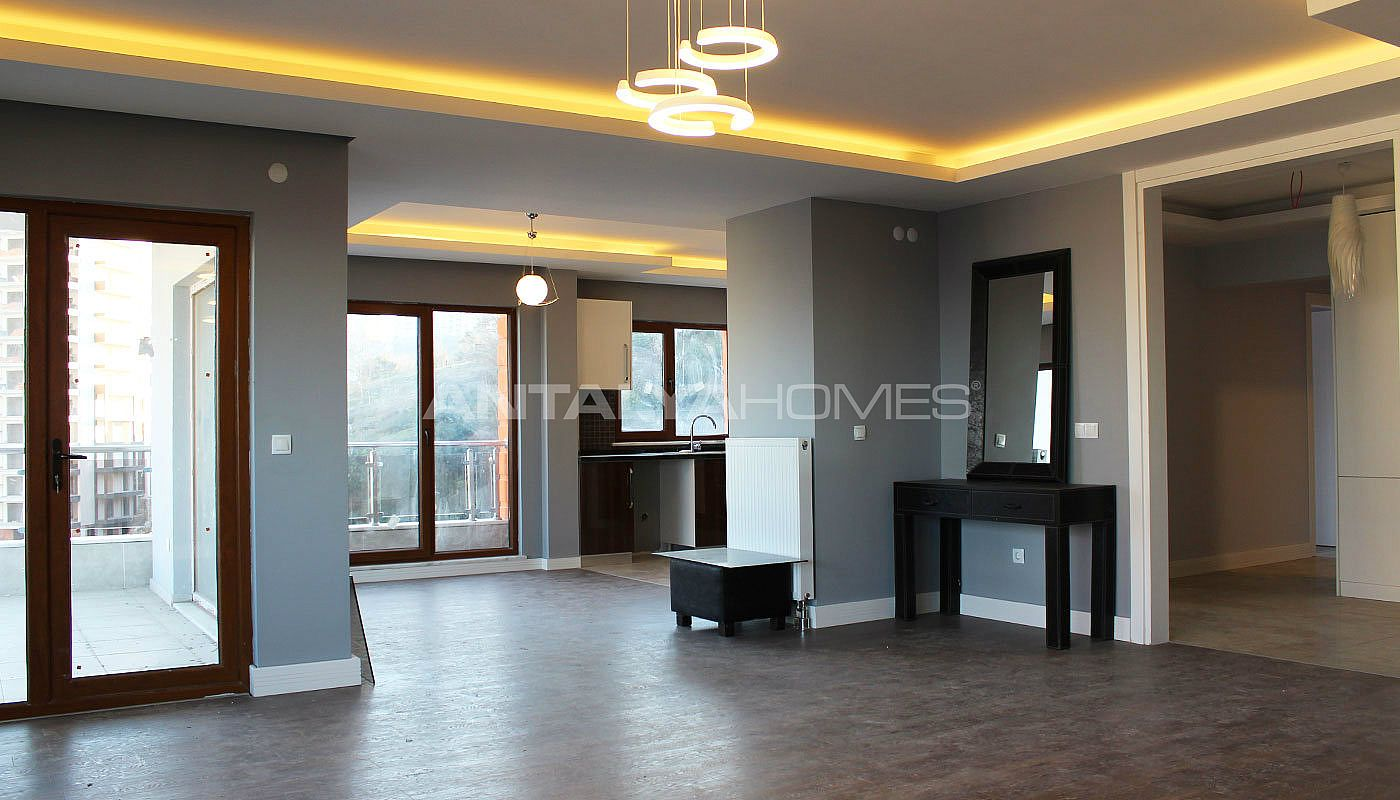 large-apartment-in-trabzon-with-ensuite-bathroom-interior-002.jpg