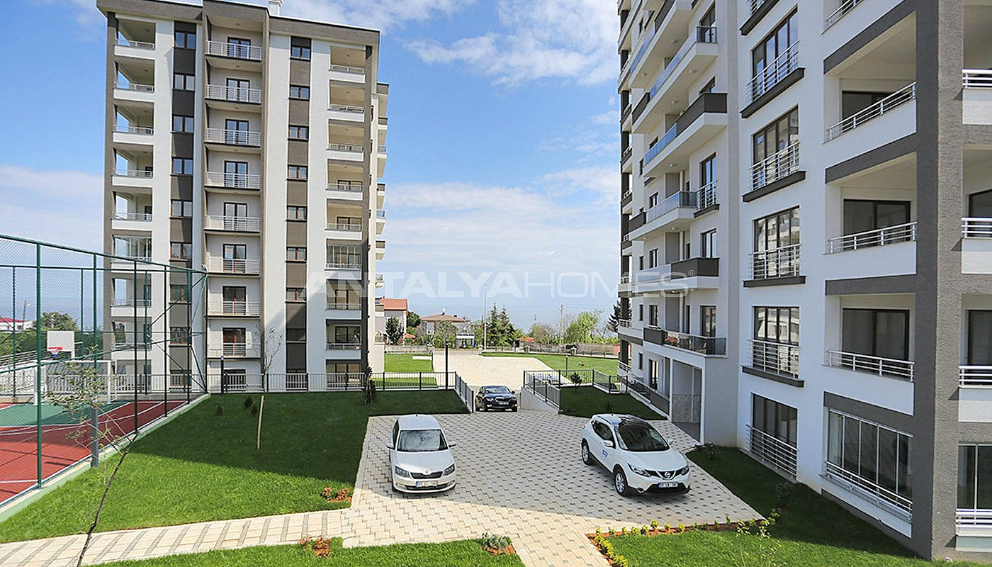 large-apartments-in-trabzon-with-double-lift-001.jpg