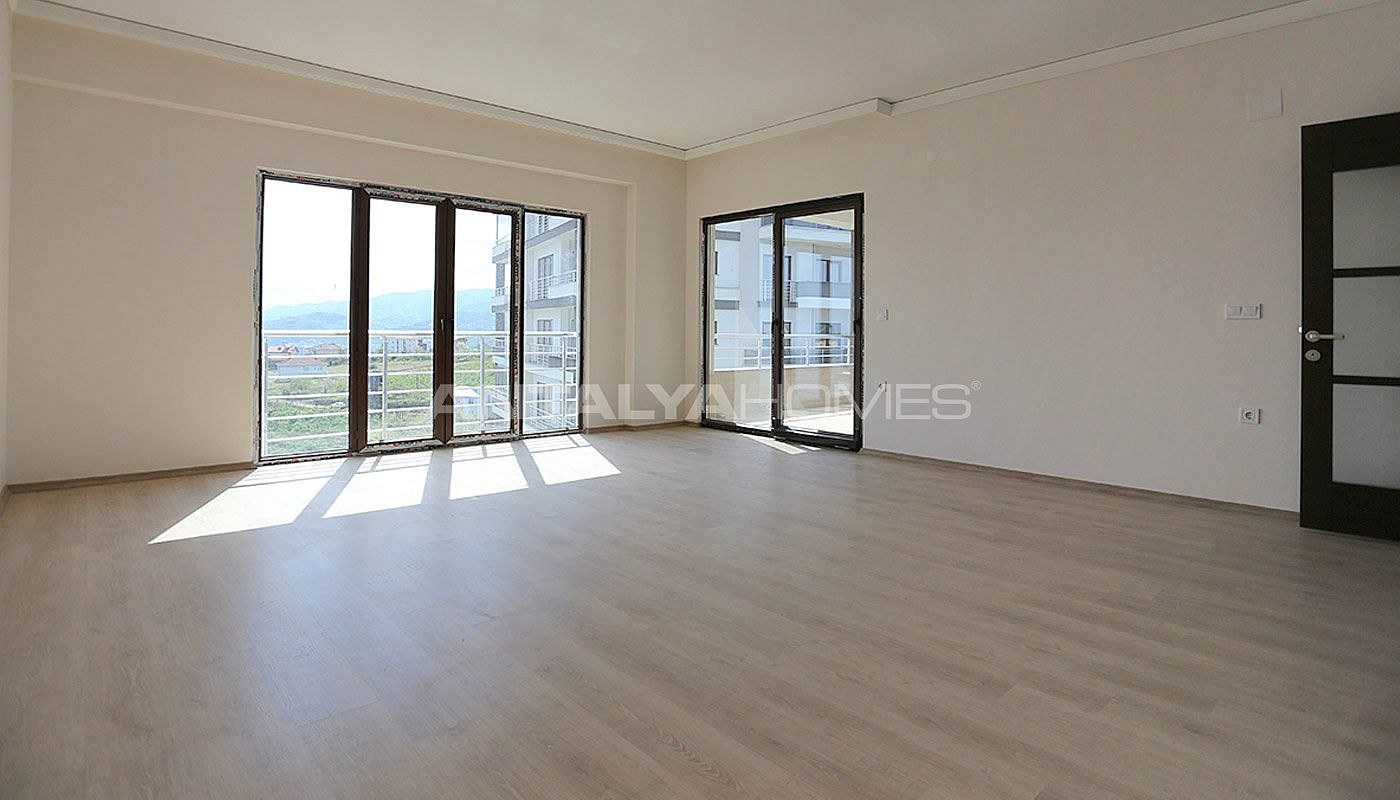 large-apartments-in-trabzon-with-double-lift-interior-001.jpg