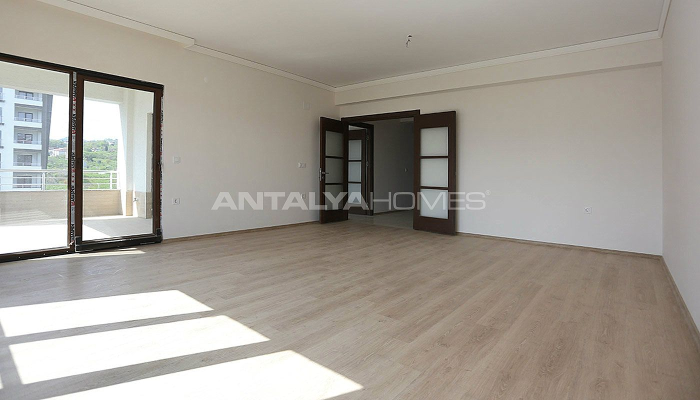 large-apartments-in-trabzon-with-double-lift-interior-003.jpg
