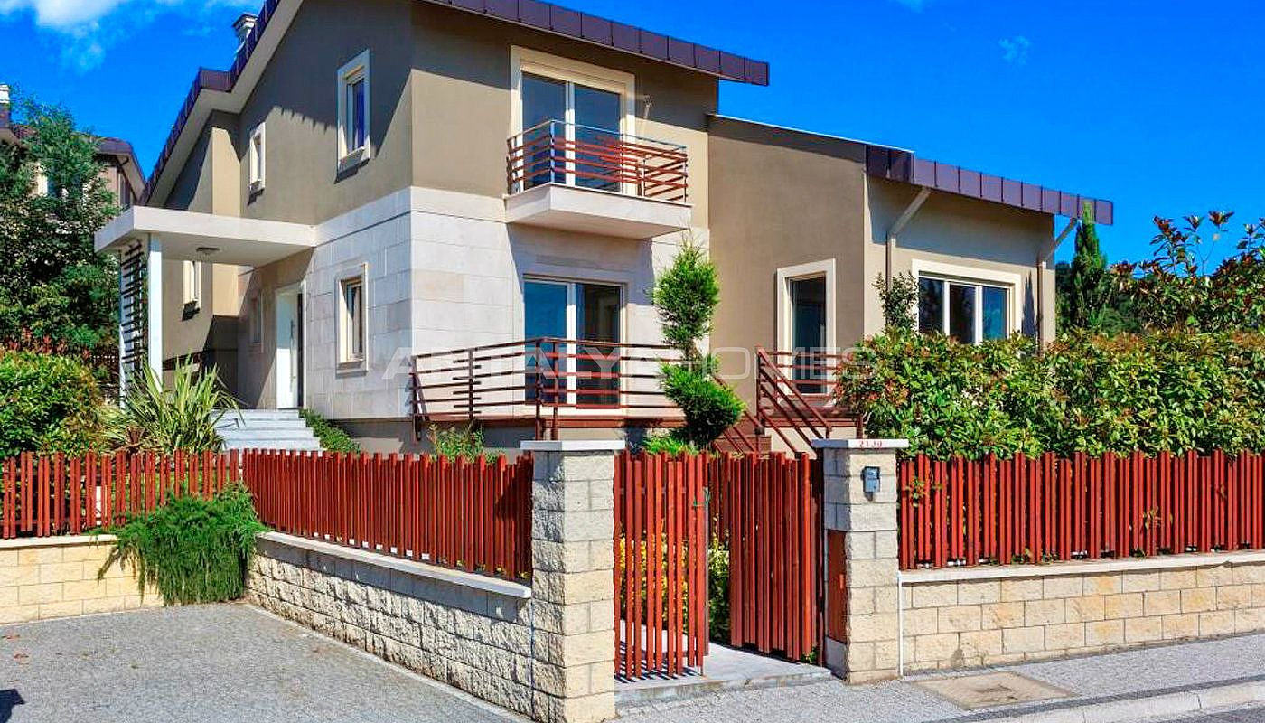 magnificent-houses-in-yalova-intertwined-with-nature-003.jpg