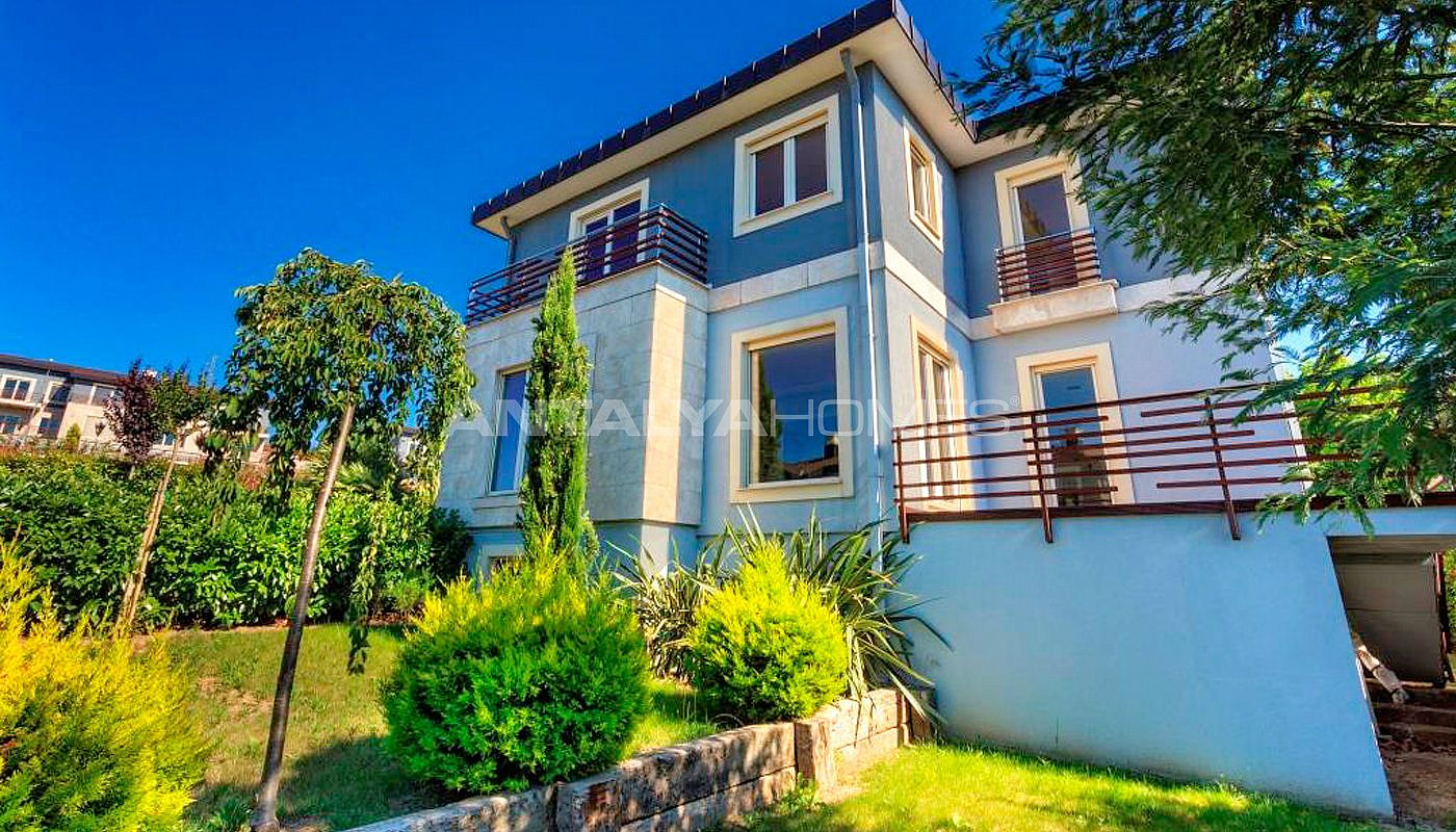 magnificent-houses-in-yalova-intertwined-with-nature-005.jpg