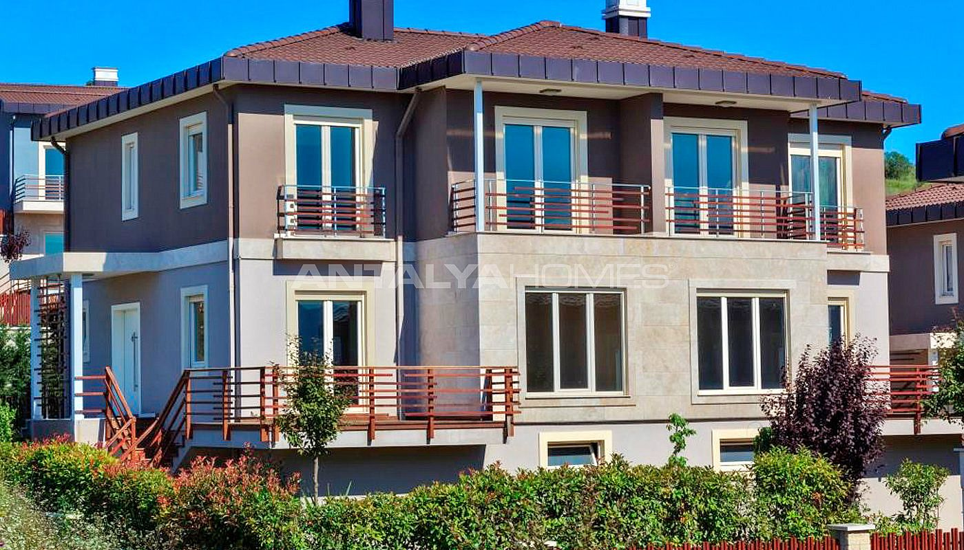 magnificent-houses-in-yalova-intertwined-with-nature-007.jpg