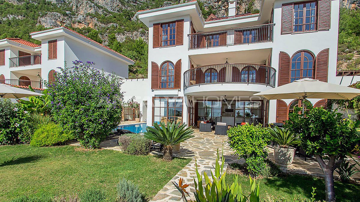 buy-a-villa-in-alanya-for-privileged-lifestyle-006.jpg