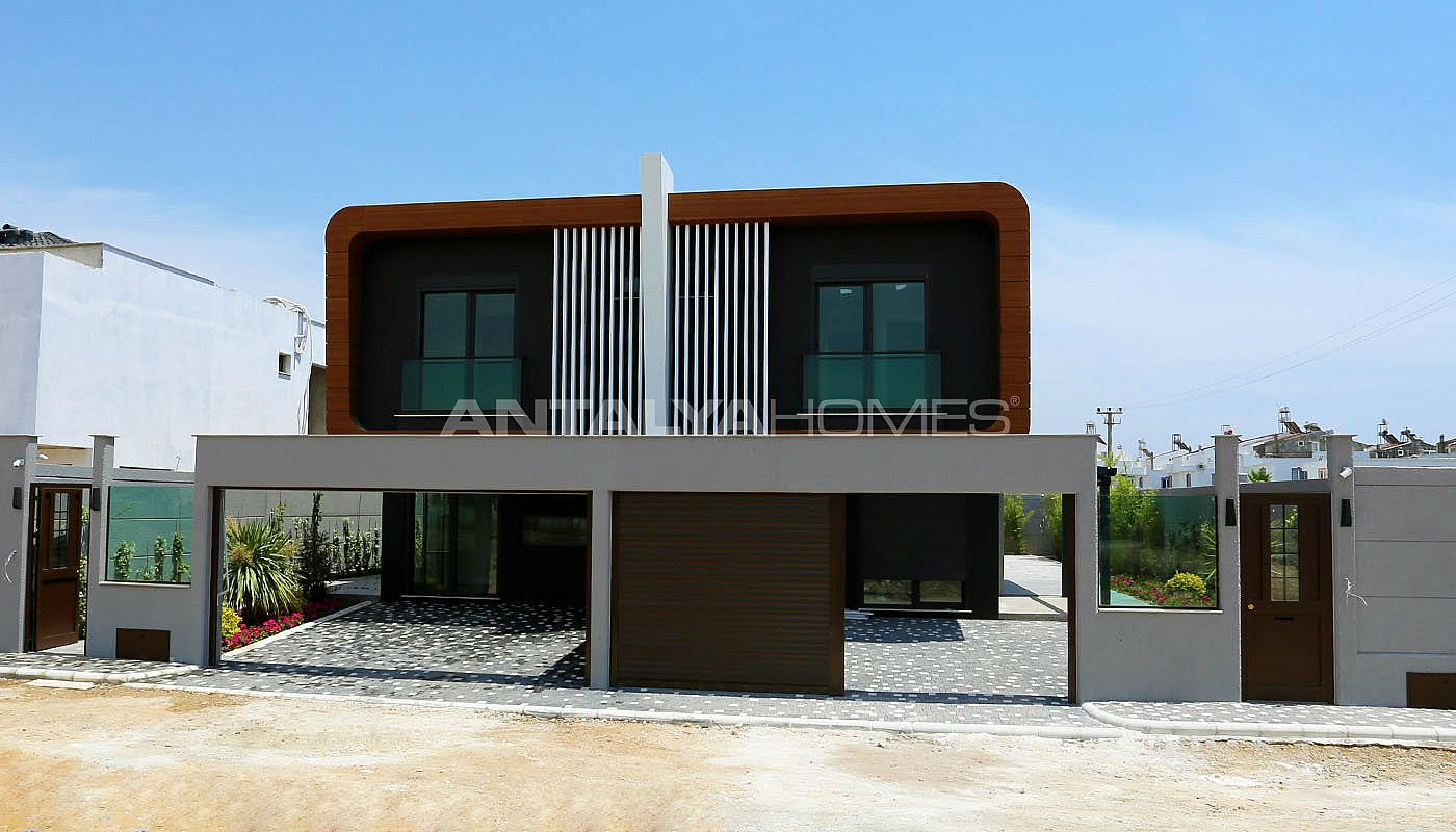 contemporary-villas-with-smart-home-system-in-kundu-003.jpg