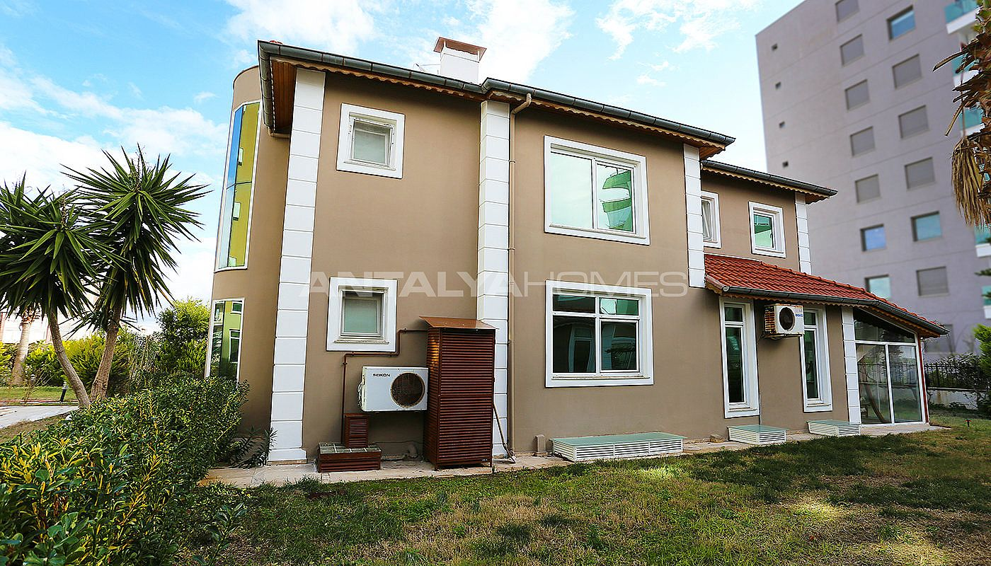 furnished-villa-within-walking-distance-to-the-sea-in-lara-003.jpg