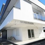 investment-real-estate-100-meters-to-turizm-street-in-antalya-004.jpg