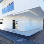 investment-real-estate-100-meters-to-turizm-street-in-antalya-006.jpg