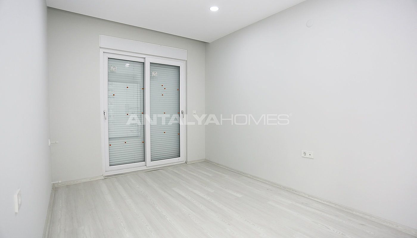 investment-real-estate-100-meters-to-turizm-street-in-antalya-interior-007.jpg