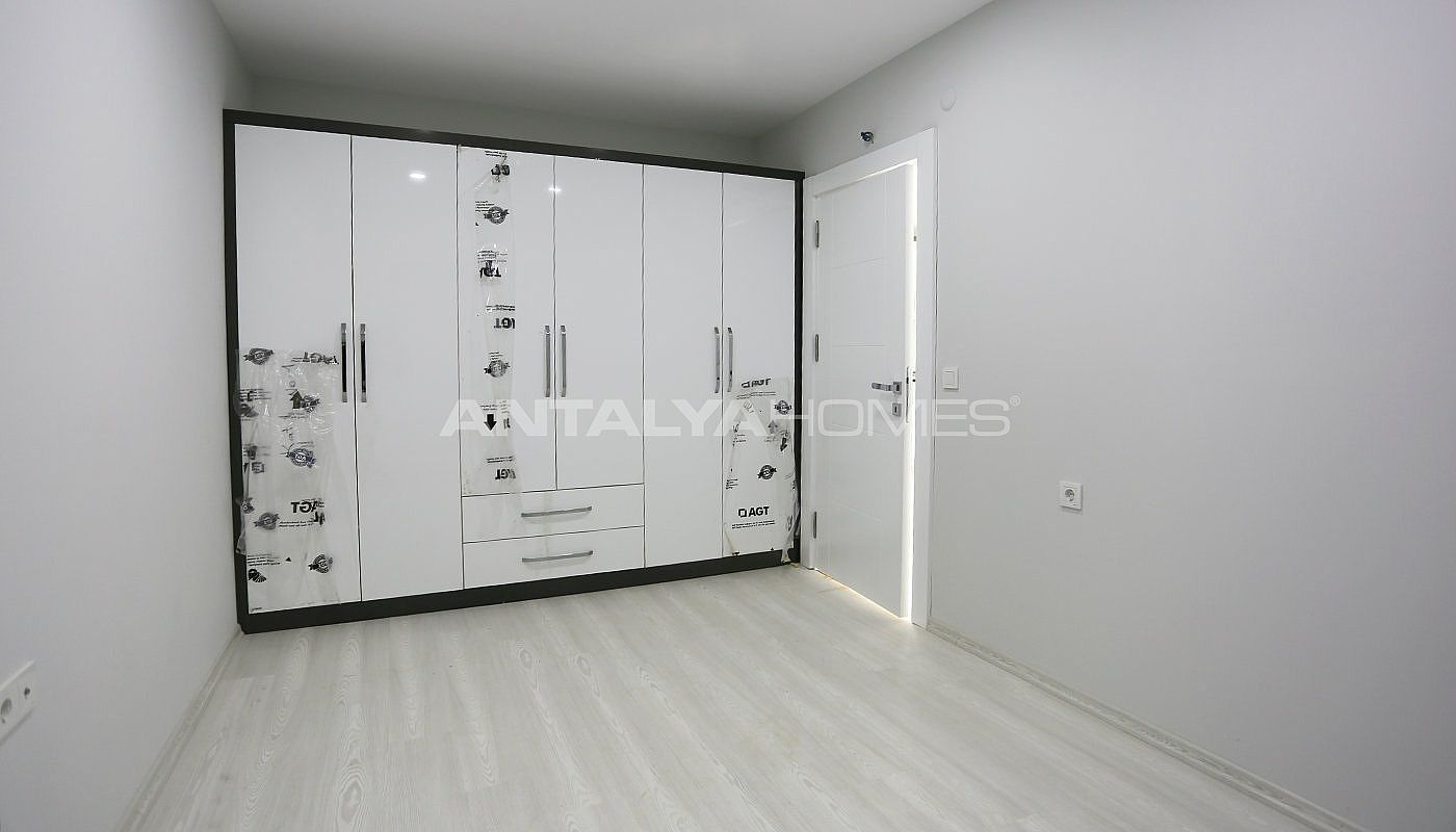 investment-real-estate-100-meters-to-turizm-street-in-antalya-interior-008.jpg
