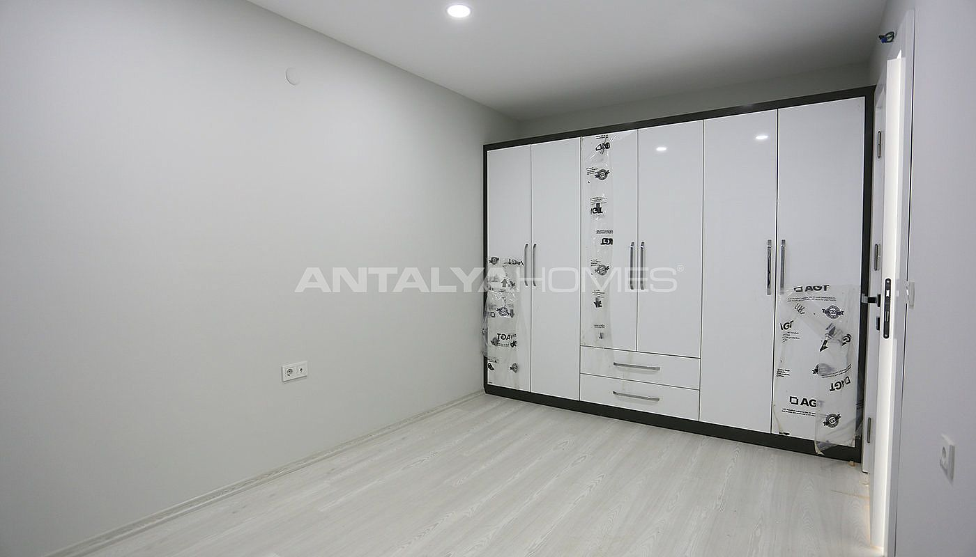 investment-real-estate-100-meters-to-turizm-street-in-antalya-interior-009.jpg