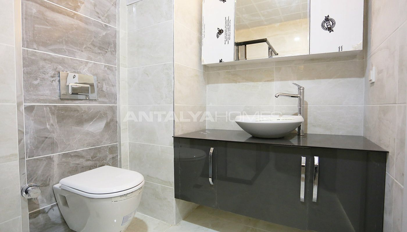 investment-real-estate-100-meters-to-turizm-street-in-antalya-interior-011.jpg