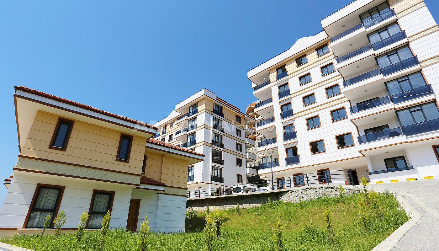 spectecular-design-properties-in-trabzon-with-sea-view-003.jpg