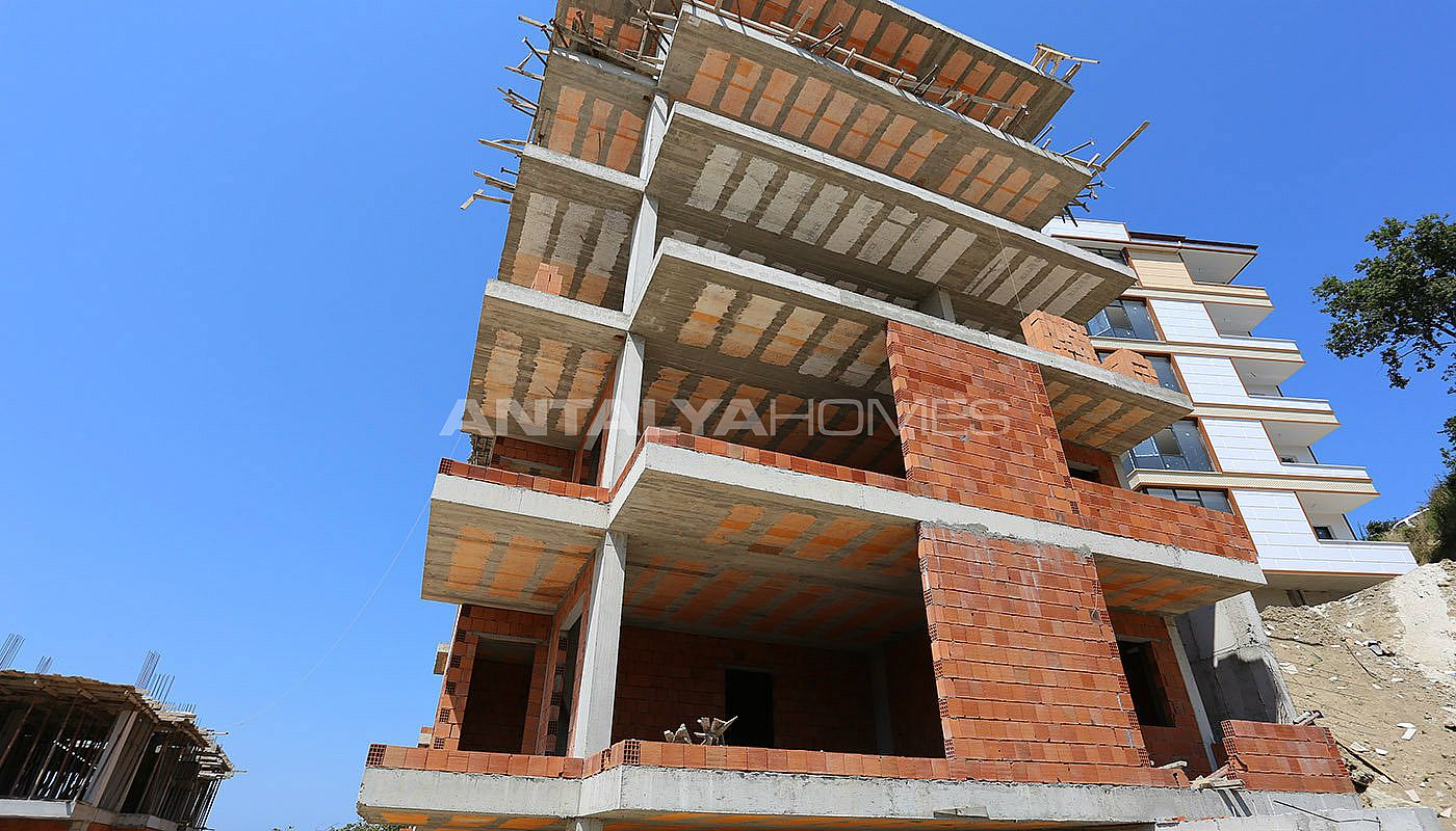 spectecular-design-properties-in-trabzon-with-sea-view-construction-003.jpg