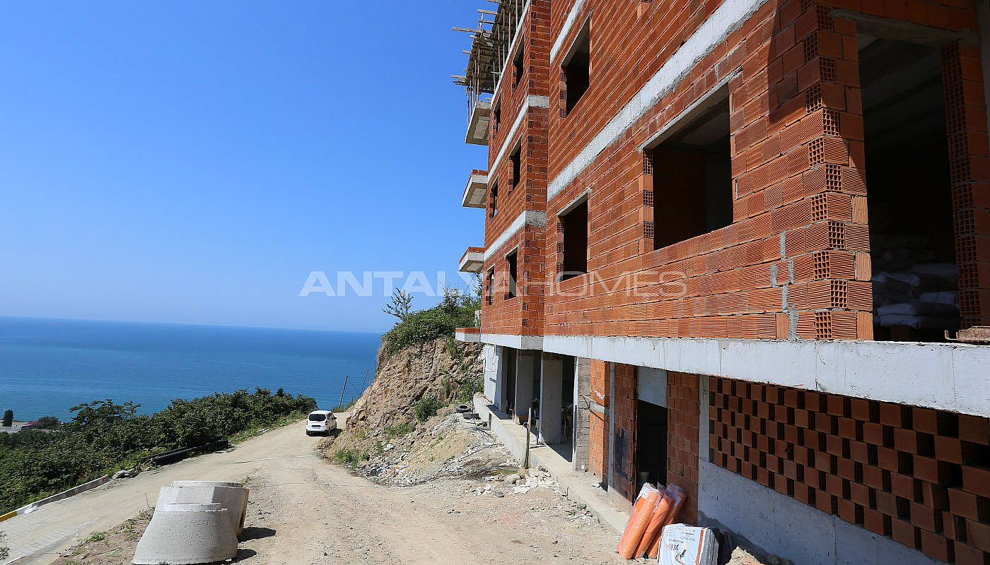 spectecular-design-properties-in-trabzon-with-sea-view-construction-005.jpg