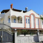 totally-renovated-semi-detached-villa-in-kadriye-belek-002.jpg