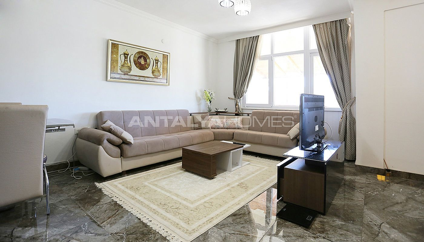 totally-renovated-semi-detached-villa-in-kadriye-belek-interior-001.jpg