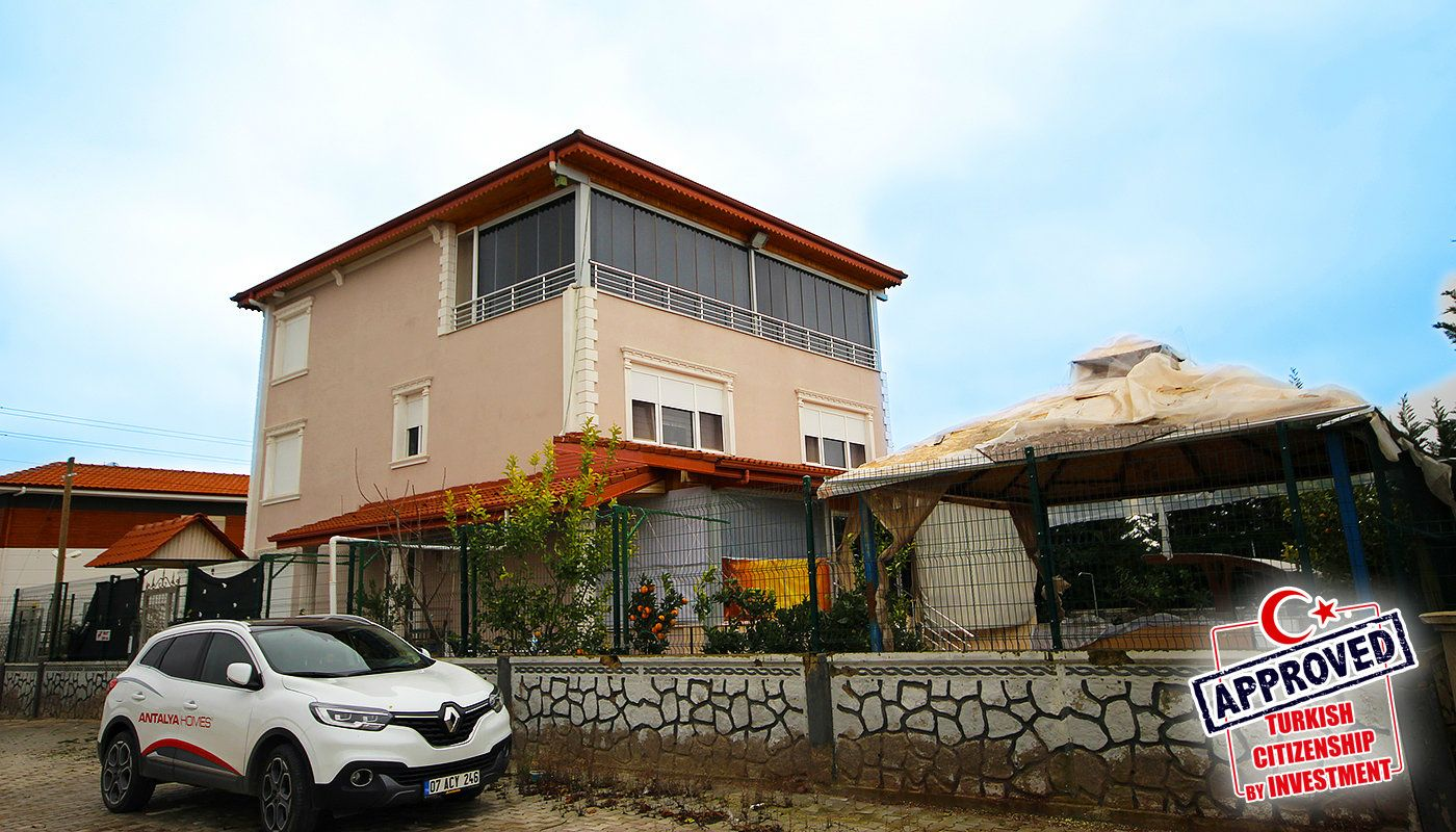 well-kept-house-surrounded-by-nature-in-antalya-dosemealti-main.jpg