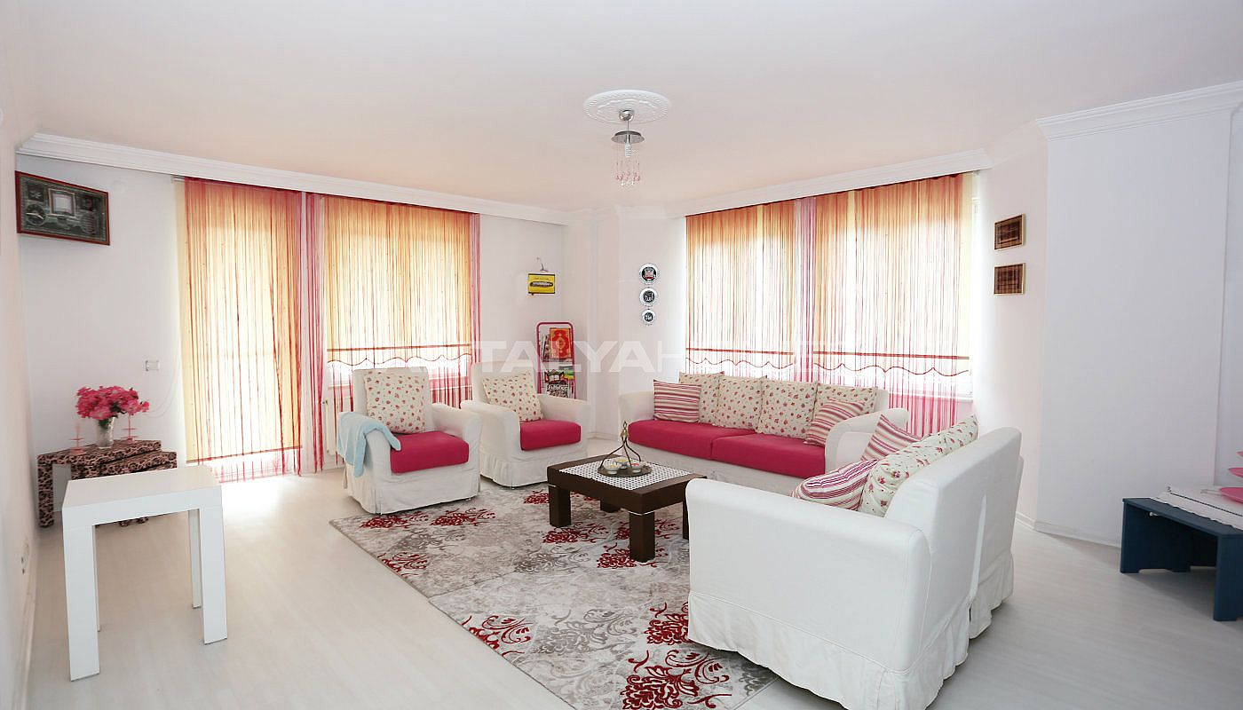 detached-spacious-houses-with-swimming-pool-in-antalya-interior-002.jpg