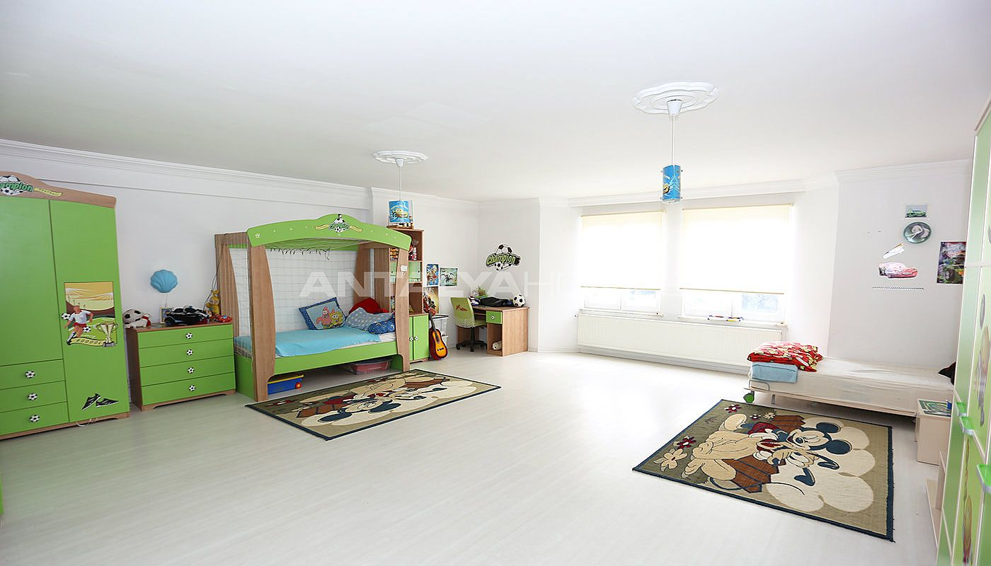 detached-spacious-houses-with-swimming-pool-in-antalya-interior-008.jpg