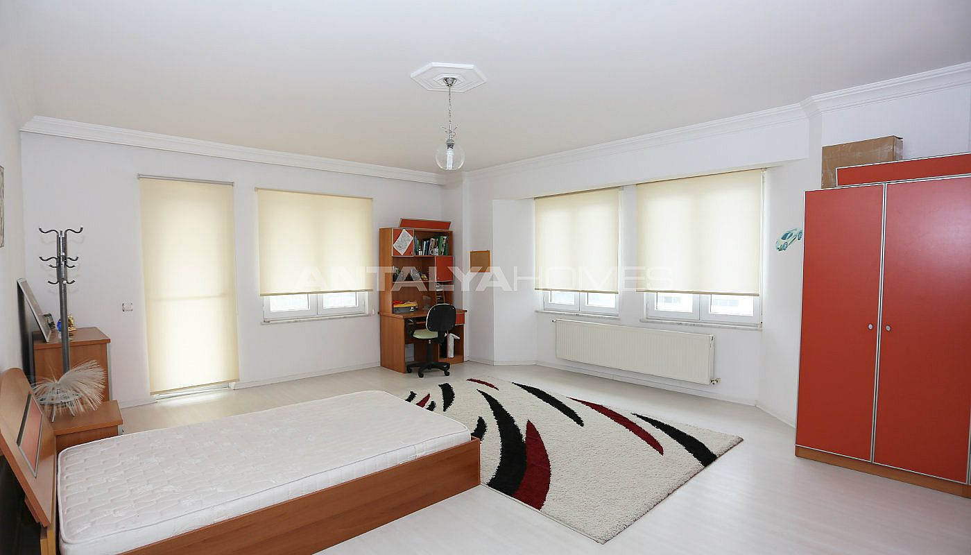 detached-spacious-houses-with-swimming-pool-in-antalya-interior-009.jpg